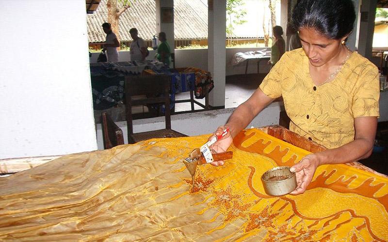 how to make batik fabric